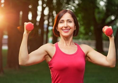Mulher fazendo exerício