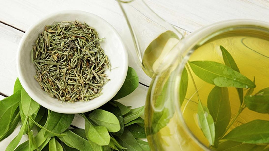 Beber chá verde para o controle do diabetes