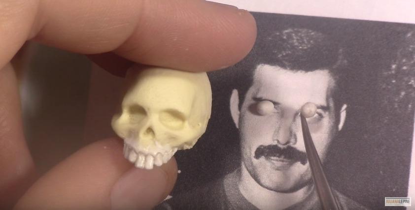 Escultura de Freddie Mercury